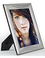 "5"" x 7"" Picture Photo Frame with Chrome Accents"