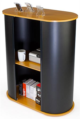 Modular Counter for Trade Show Includes an Inner Shelf for Storage