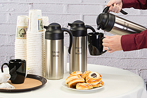 Hospitality coffee service with insulated creamer jugs