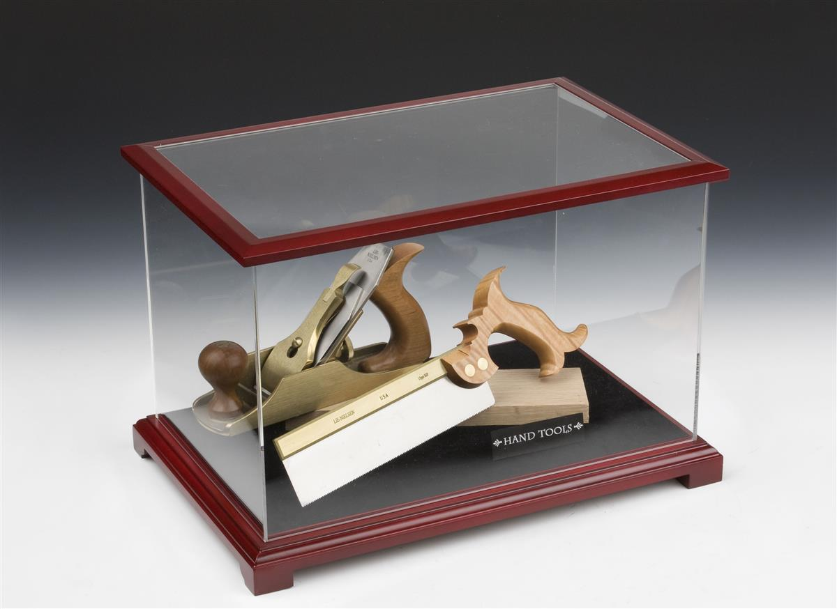 This model display case opens quickly with a lift up for Modele case