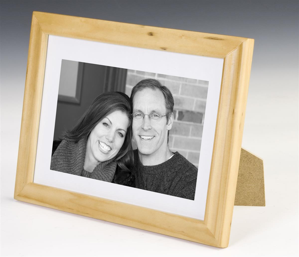 This Picture Frame Offers A Beautiful Natural Wood Border