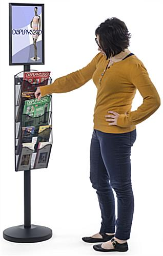 "11"" x 17"" Sign Post with 5 Mesh Literature Pockets, Portrait Orientation"