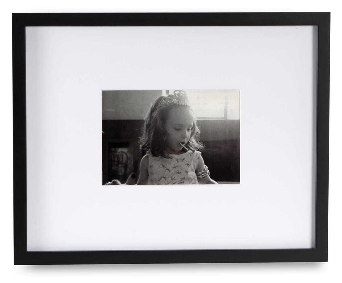 22 By 28 Frame White: These Poster Frames With Removable Mats Display Photos Up