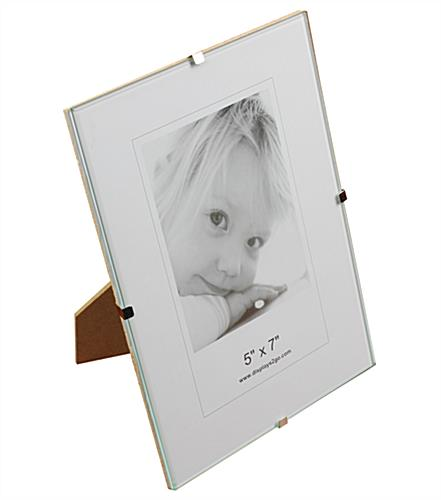This Clip Picture Frame Can Be Displayed Vertically Or